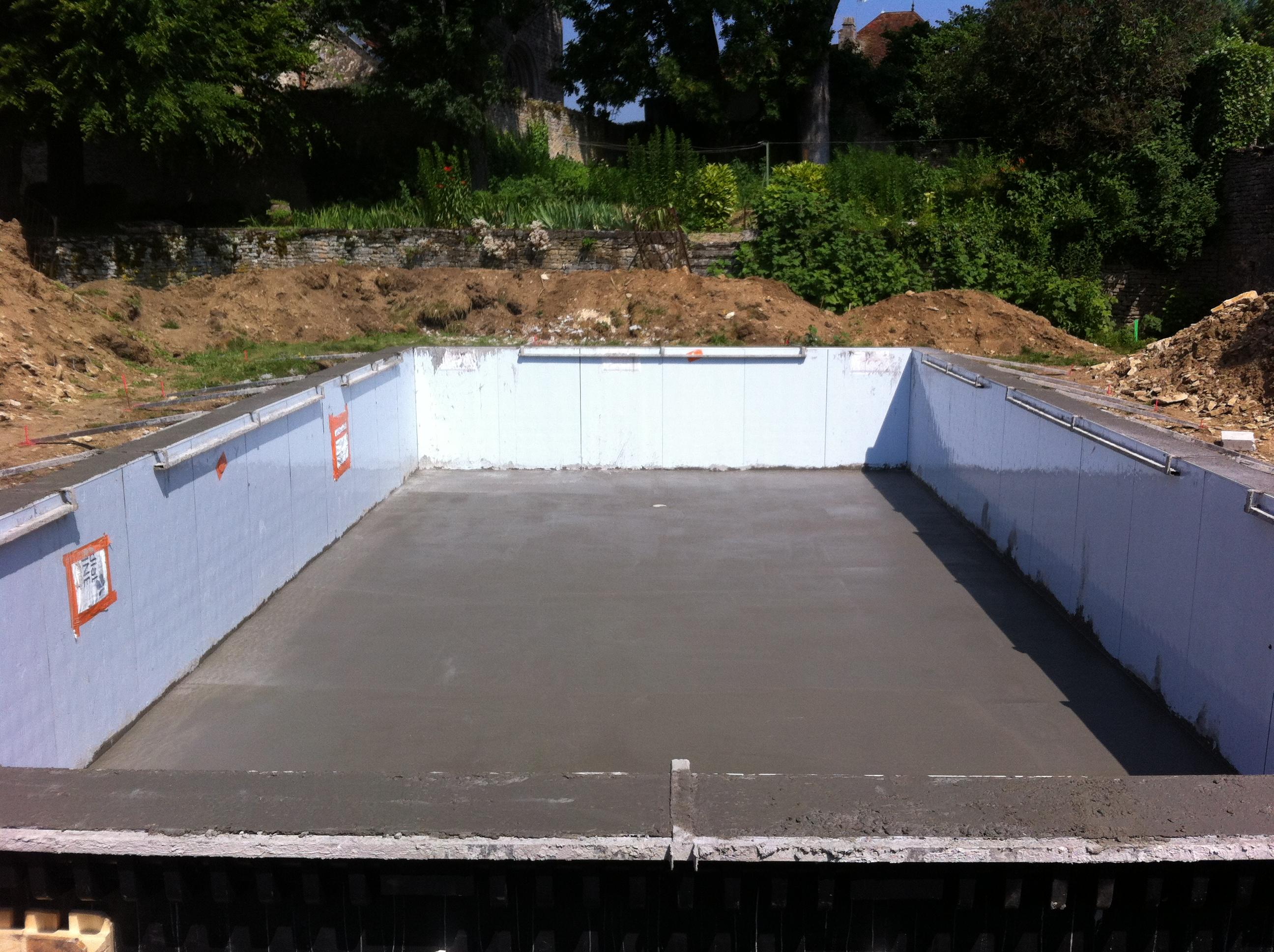 Construction de piscine sur mesure annecy construction for Construction piscine 65